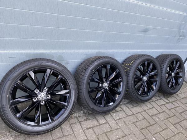 VW Radsatz Springfield schwarz für VW T5 T6 18 Zoll 8Jx18 ET50 7E0601025Q AX1