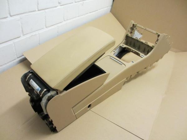 Mittelarmlehne VW Passat 3C Leder Purebeige mit Kühlfunktion und Rollo (13)